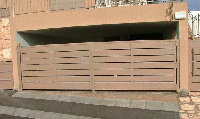 שער אוטומטי רצועות לכניסה לחניה